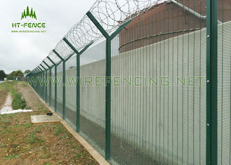 China Anti- UV 358 Security Fence / Green Security Fencing With High Tensile Strength supplier