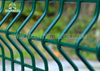 China Economical Curved 3D Welded Wire Mesh Fence Anti - Climb With 50 × 200mm Holes supplier