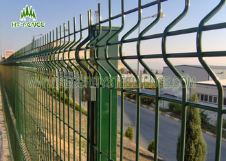 China 3D Curved Welded Wire Mesh Fencing With 60 × 60mm Square Post Metal Clips Fixed supplier