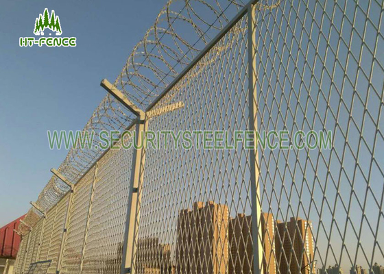China Electrical Sub - Station Galvanized Welded Mesh Panels With 2.03 × 2.5mm Site supplier