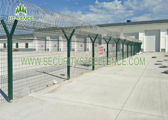 China Welded 3D Welded Wire Fence Panels Triangle Bending For Water Treatment Works supplier