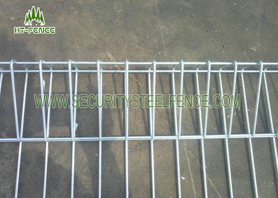 China Powder Coated Green Roll Top Fencing Panels With 5.0mm Wire 75 × 150mm Hole supplier