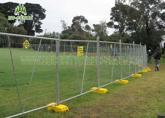 China Stainless Steel Temporary Fence Panels / Portable Security Fencing For Traffic supplier