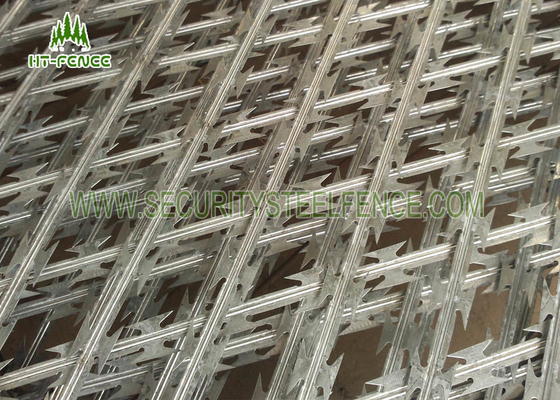 China Silver / Green Welded Razor Barbed Wire Fence Climb Proof With 100 × 100mm Hole supplier