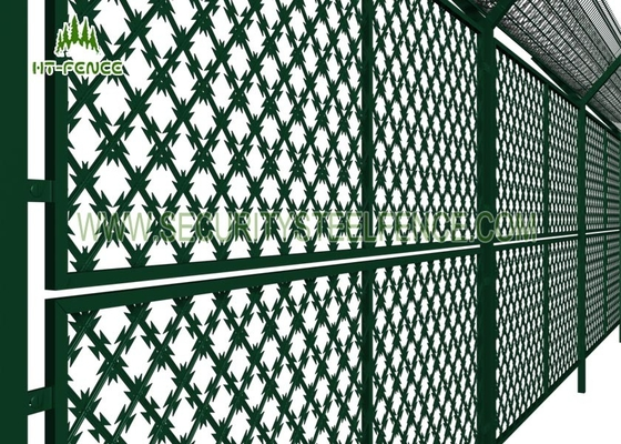China Welded Steel Razor Wire Mesh Fence Panels 75 × 150mm Hole For Prison Safety supplier