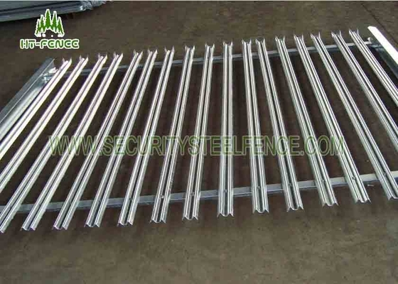 China Powder Coated Palisade Security Gates , Galvanised Palisade Fencing Green Color supplier