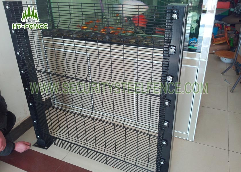 Climb Proof Hot Dipped Galvanized Wire Fence Panels With Anti Cut ...