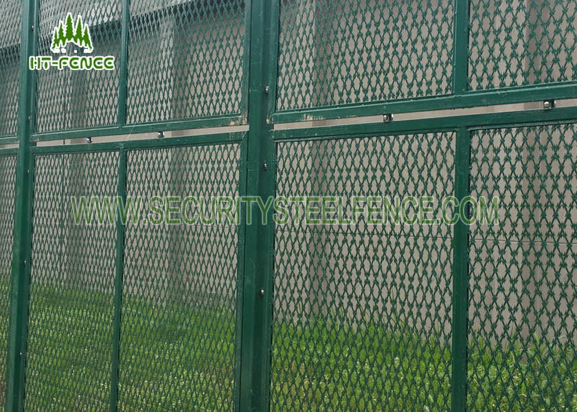 High Security Concertina Razor Wire Mesh Anti - Rust With 50 × 100mm ...