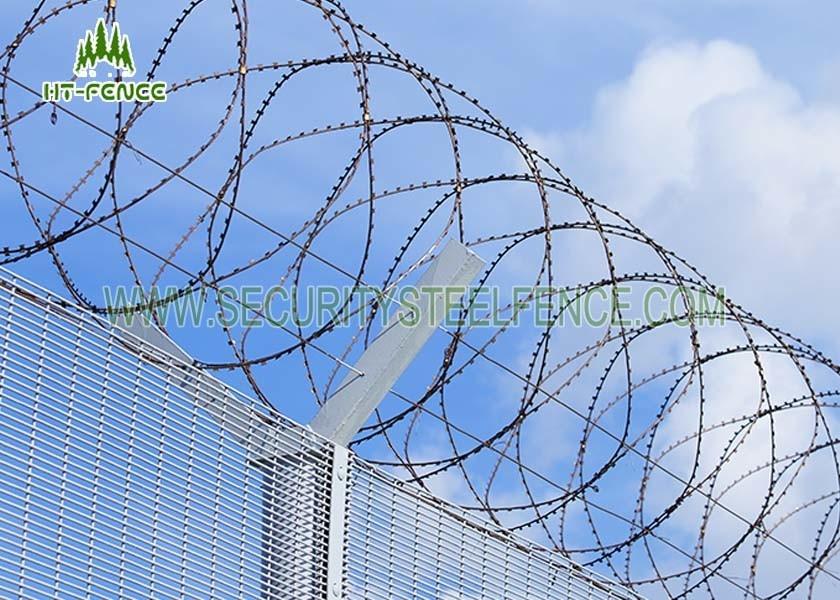 Powder Coated Concertina Razor Wire / Razor Sharp Wire 55 Coils And ...