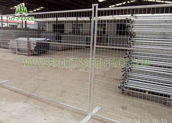 China Red Temporary Construction Fence Panels , Easy Assembled Metal Security Fencing  factory