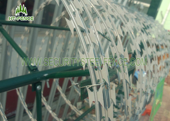 China Single Coil Stainless Steel Razor Wire Non - Climbing For Military Protection factory