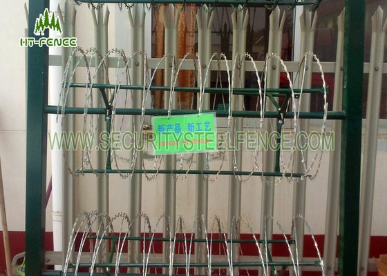 China Military Security Barbed Wire Anti - Theft With 1000Mpa High Tensile Strength factory