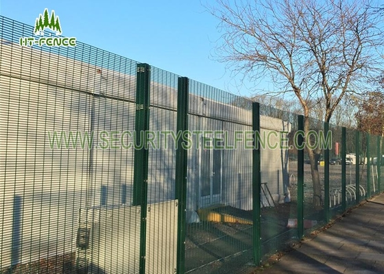 China 358 Type Security Galvanized Steel Fence Waterproof With Razor Wire Top factory