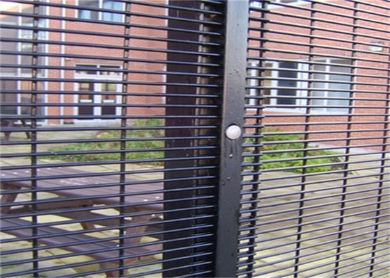 Outdoor Prison Mesh 358 Security Fence / Steel Metal Security Fence Panels