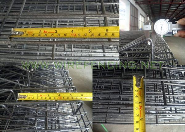 BRC Wire Mesh Roll Top Fencing Easy Assembly For Sports Field / Warehouse