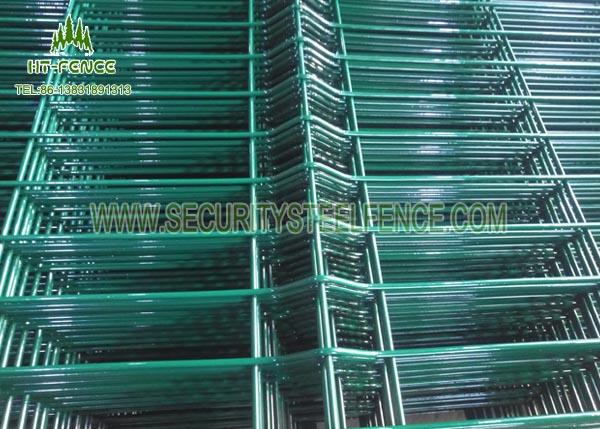 Airport Anti - Aging Welded Mesh Fence , Green PVC Coated Wire Mesh Fencing