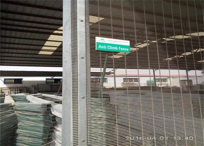 High Performance High Security Wire Fence , Welded Mesh Security Fencing