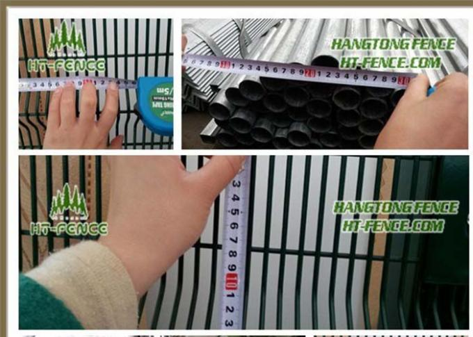 Black Low Carbon 358 Security Fence 72.6 * 12.7mm Anti Climb Fence